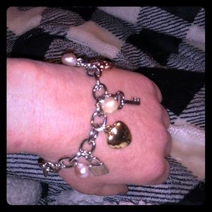NWT-Pacific Pearls charm bracelet